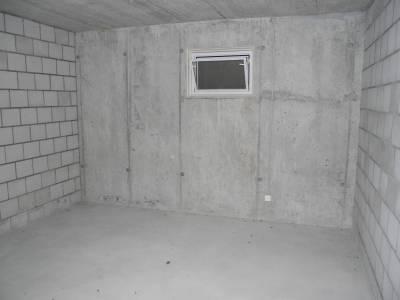Würenlos Lagerraum 4 mit Fenster und Stromanschluss